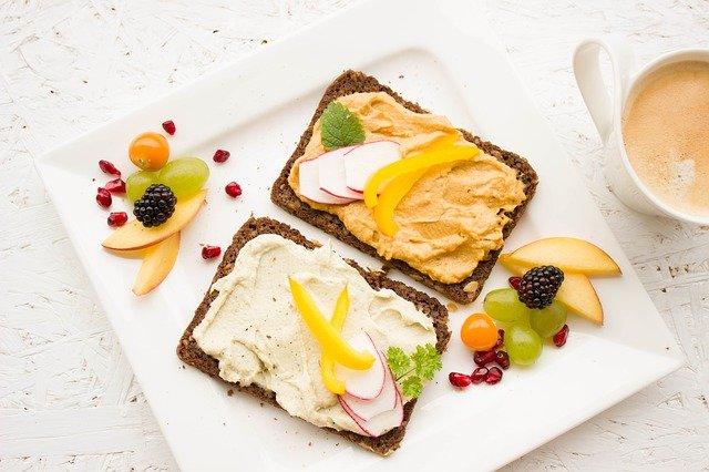 מתכונים קלים ומהירים להכנת ארוחות בוקר טבעוניות ללא גלוטן רק באתר בייגלסס !
