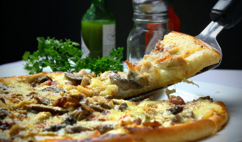 פיצה בהכנה ביתית ב6 שלבים בלבד !